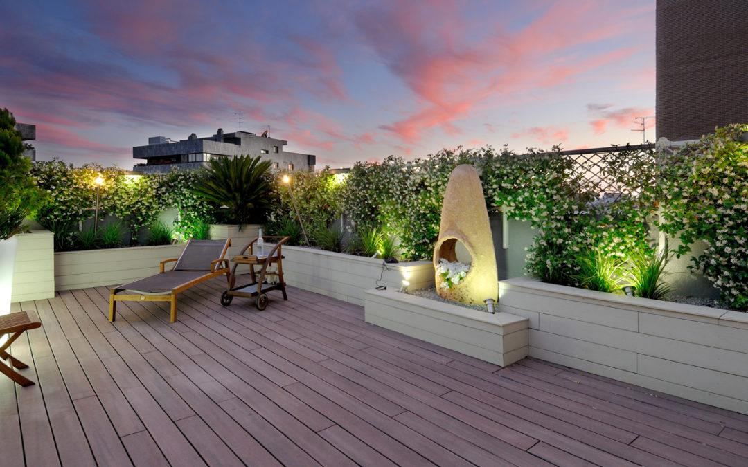 Revestimiento de composite para terrazas y jardínes